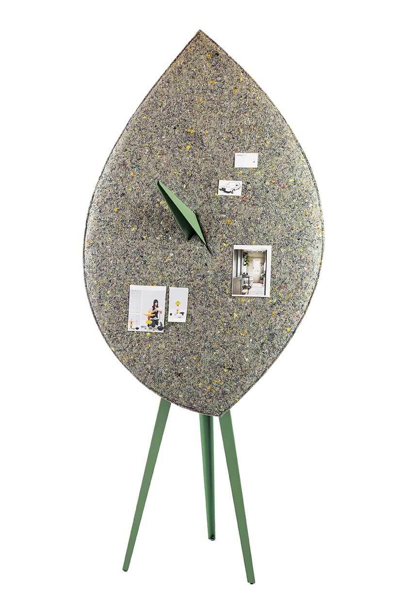 BLAD akoestisch scherm prikbord, circulair. Biophilic-circular, acoustic object, pinboard. Bio-zirkulär akustisches Schild Schwarzes Brett