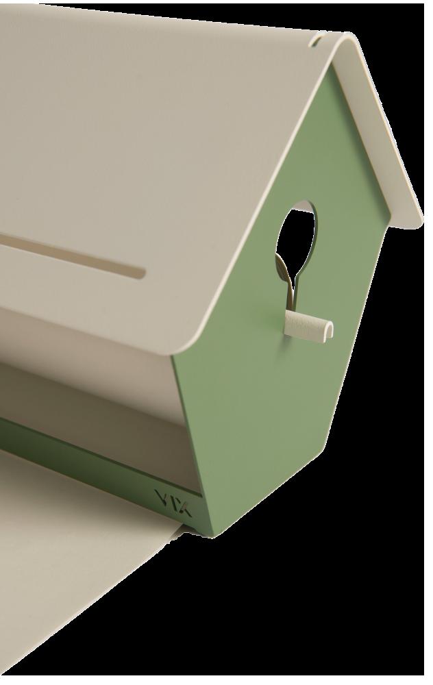 Vogelhuis met papierrol voor notities, ideeën. Vogelhaus mit papierrolle, Visualisieren von Ideen. A birdhouse with a roll of paper for ideas and notes.
