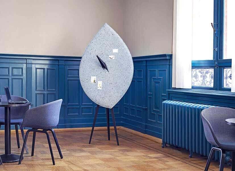 BLAD akoestisch scherm prikbord. Biophilic-circulair. Acoustic pinboard, leaf.